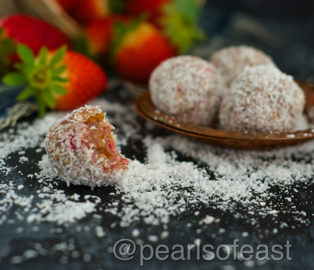 strawberry bliss balls-2