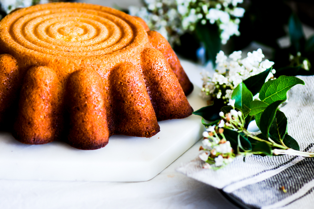 Wonderfully perfumed with Fresh orange, it feels like Christmas and may be it is .... This is the feeling of having this orange cake.