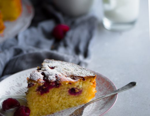 Raspberry, ricotta and Almond cake