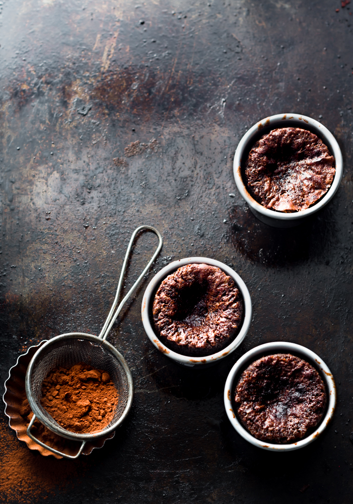 this goey salted caramel chocolate pots straight from the oven has its own charm, with a lovely crisp outer layer and goey caramel and chocolate lava core.