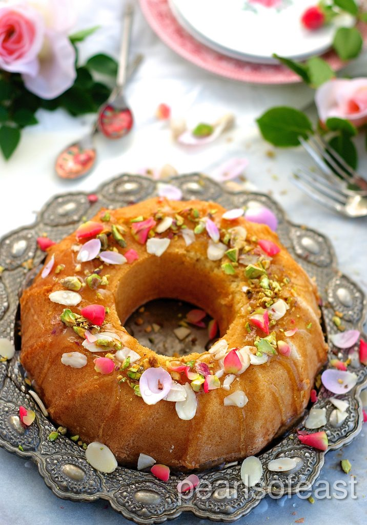 Almond and rose cake-3