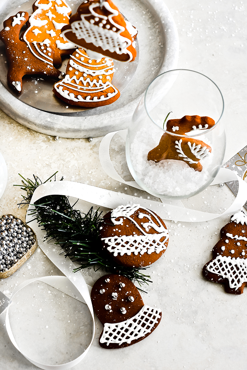 BEST recipe for gingerbread cookies I have ever tasted... baked time and again with fabulous results.... www.pearlsofeast.com