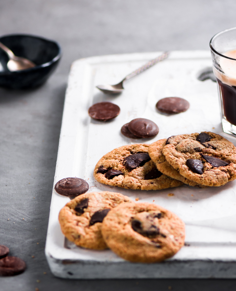 This Spelt Chocolate chip cookies recipe that is soft and chewy. What makes this even more special is baking them with Spelt flour that is fibre rich.
