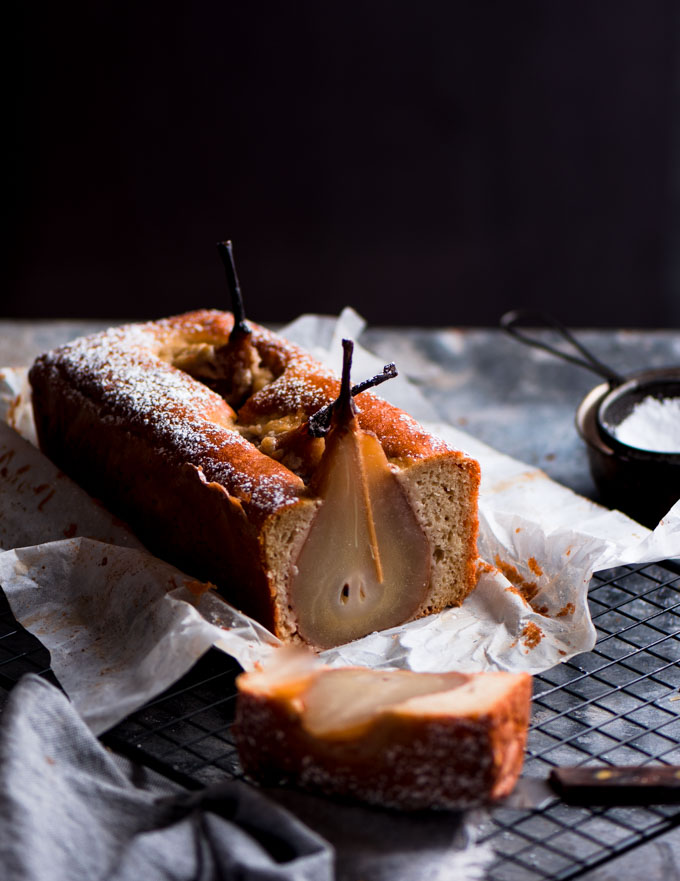 This cardamom poached pear chai cake was a stunner. Delicately flavoured with cardamon and tea bags, this cake was just perfect for an afternoon tea.