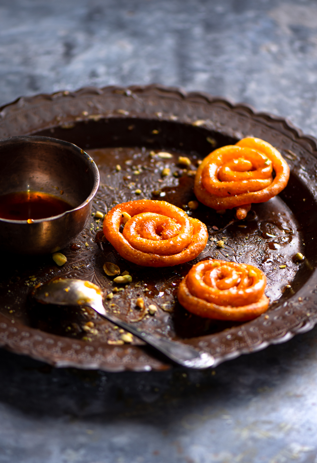 This home made instant crispy jalebi is absolutely impressive and made in minutes without compromising the taste and texture.
