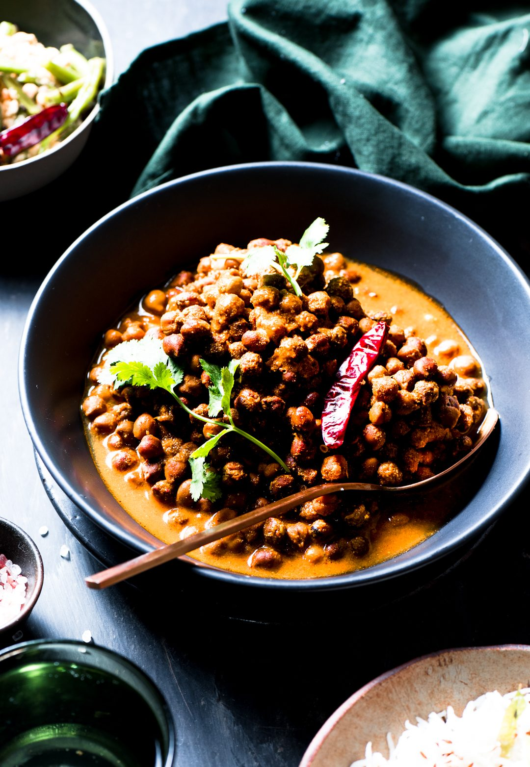 A simple black chickpeas curry with absolutely fuss free curry paste can make weekday meals so inviting, betcha you will be blown away.
